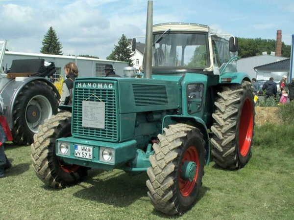 Traktoren Hanomag Robust 901 Und