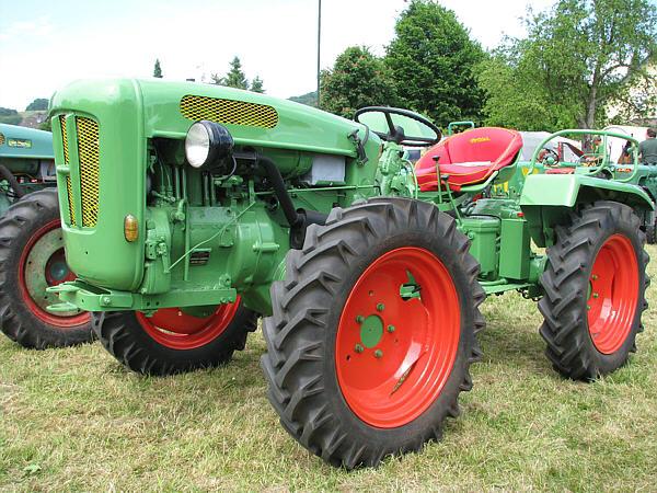 Fahrzeugseiten.de - Traktoren - Holder Cultitrac A20