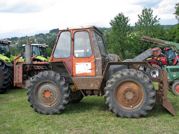 kramer 1014 gebraucht gebrauchte traktoren mit allrad. Black Bedroom Furniture Sets. Home Design Ideas