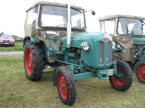 kramer kl 350 export gebrauchte traktoren mit allrad. Black Bedroom Furniture Sets. Home Design Ideas