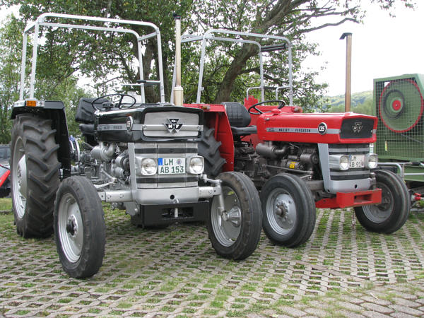 massey ferguson 135 allrad technische daten elektrische. Black Bedroom Furniture Sets. Home Design Ideas
