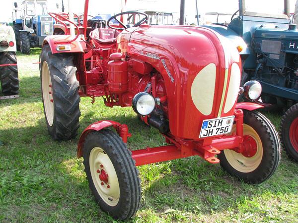 traktoren porsche diesel standard t 217. Black Bedroom Furniture Sets. Home Design Ideas