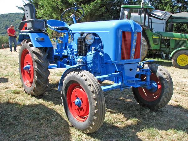 Fahrzeugseitende Traktoren Röhr 17r Und 17rh